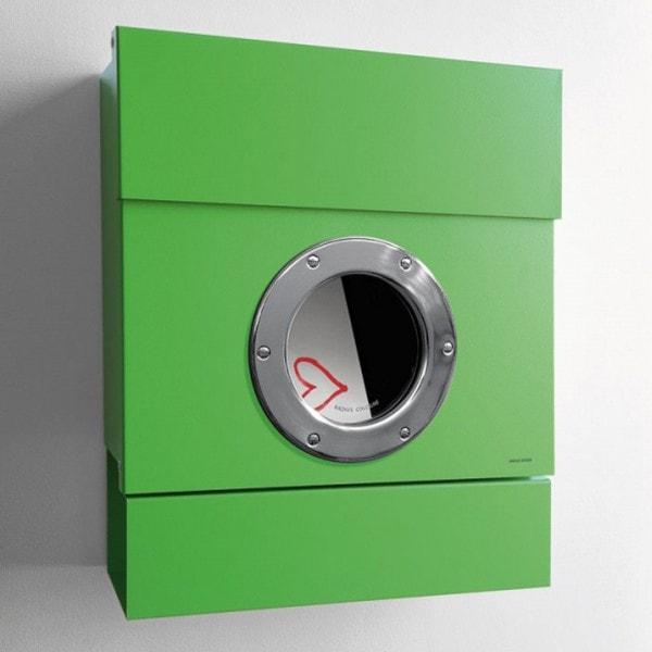 Radius Briefkasten LETTERMAN II grün mit Zeitungsrolle