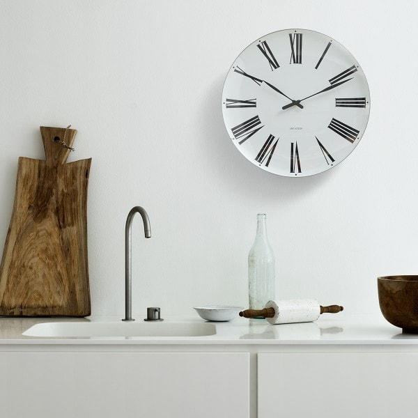 Arne Jacobsen Wanduhr Roman Clock 480