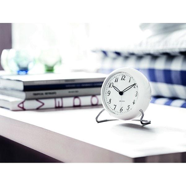 Arne Jacobsen Tischuhr Clock LK mit Alarm weiß